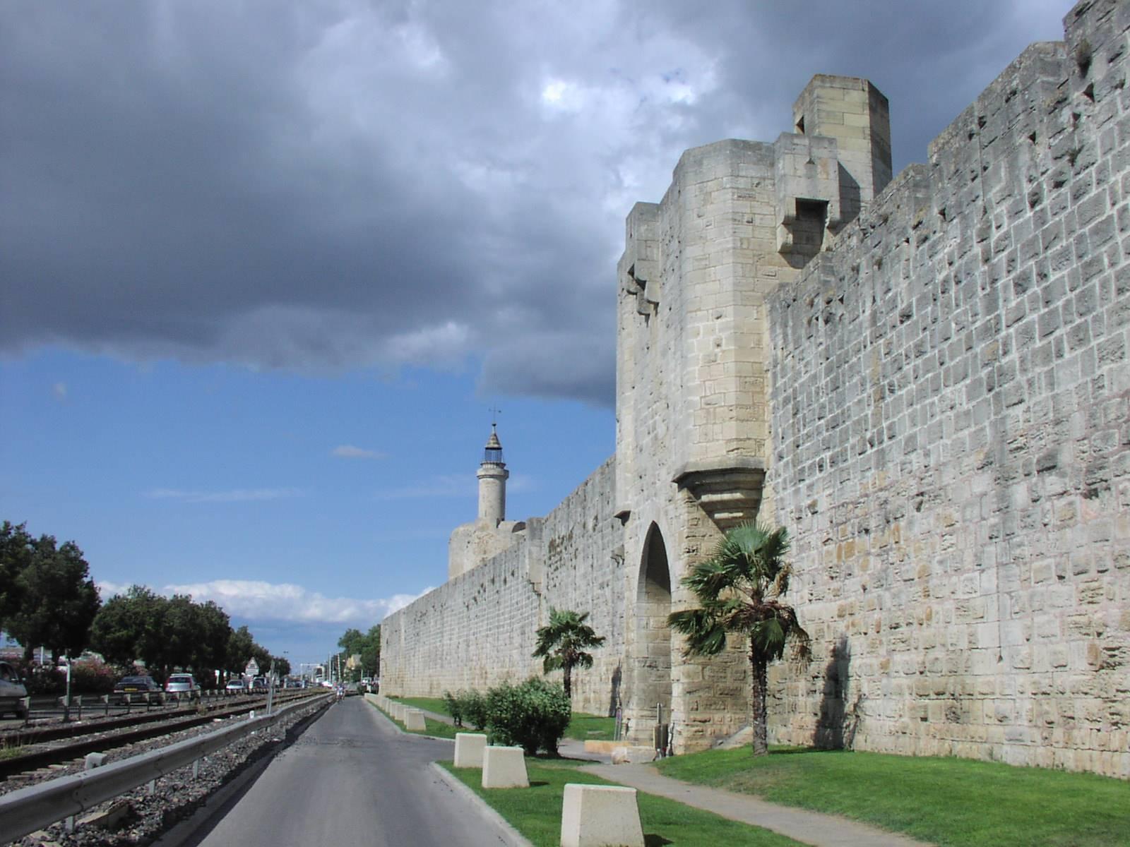 Stadtmauer außen