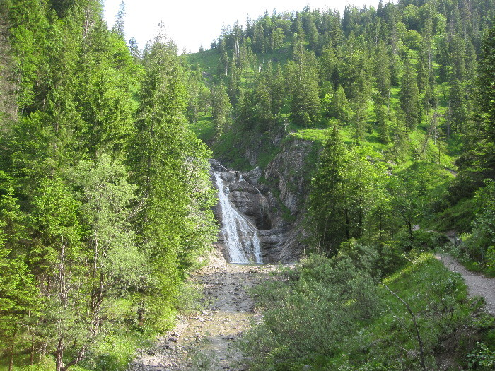 Wasserfall auf dem Weg Benediktenwand 2012