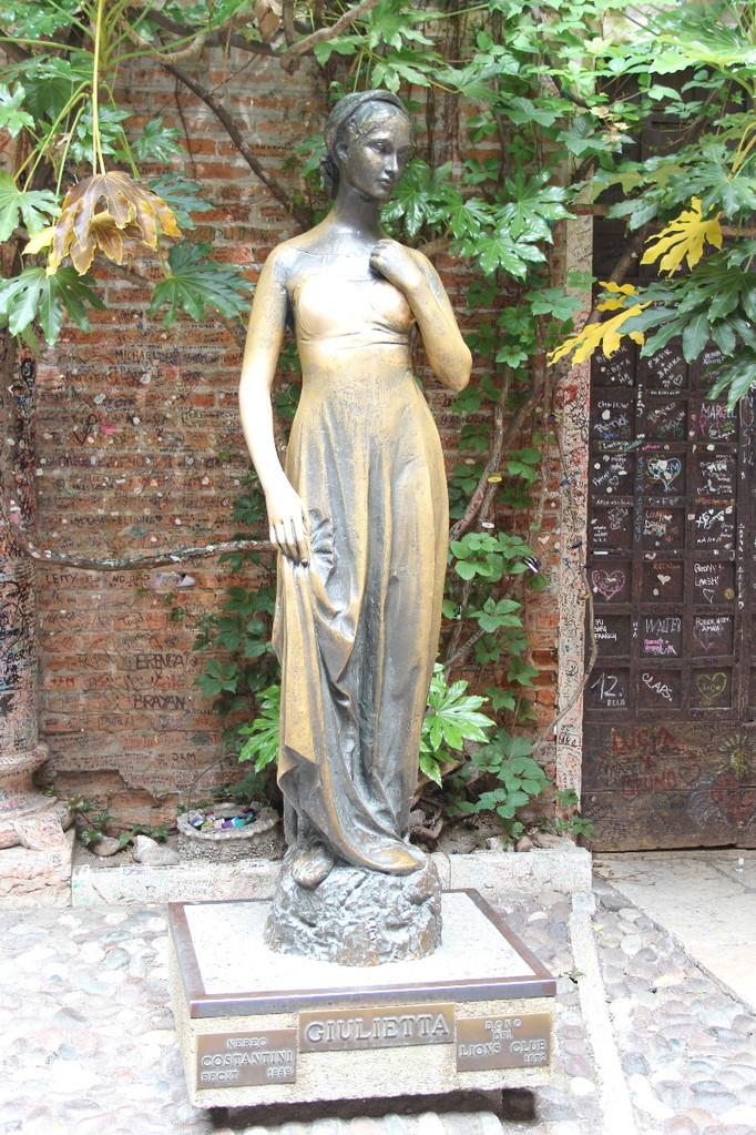 Verona 2012 Julia Figur