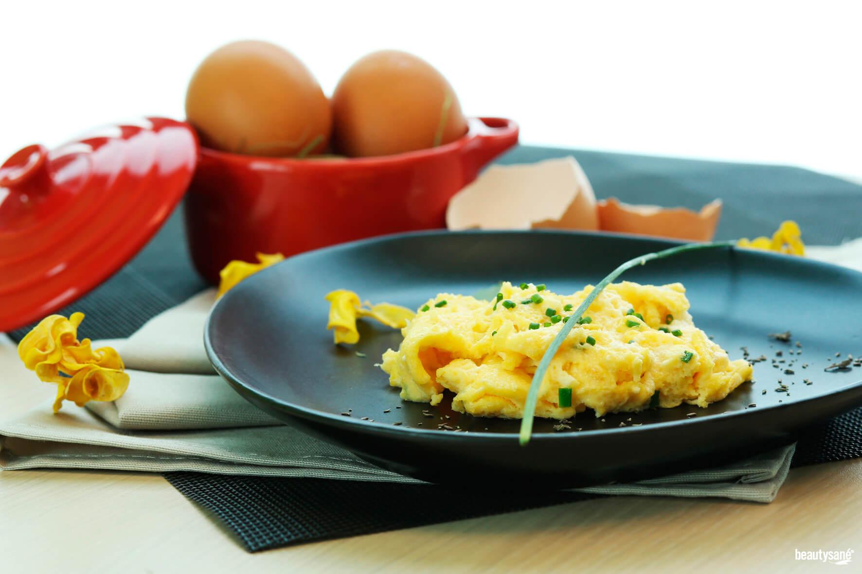 Omelettes aux fines herbes - un plat équilibré avec tous les nutriments