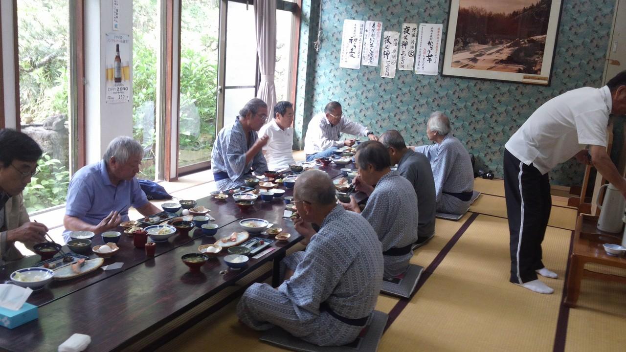 8:00 朝食