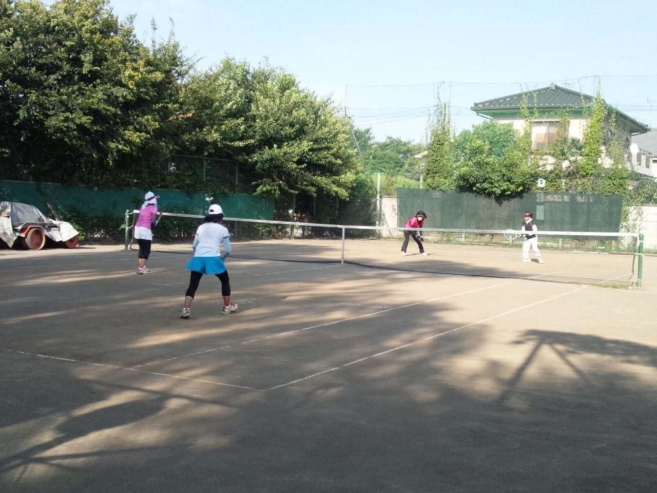今日も炎天下でテニス