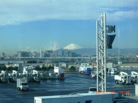 羽田空港より富士山