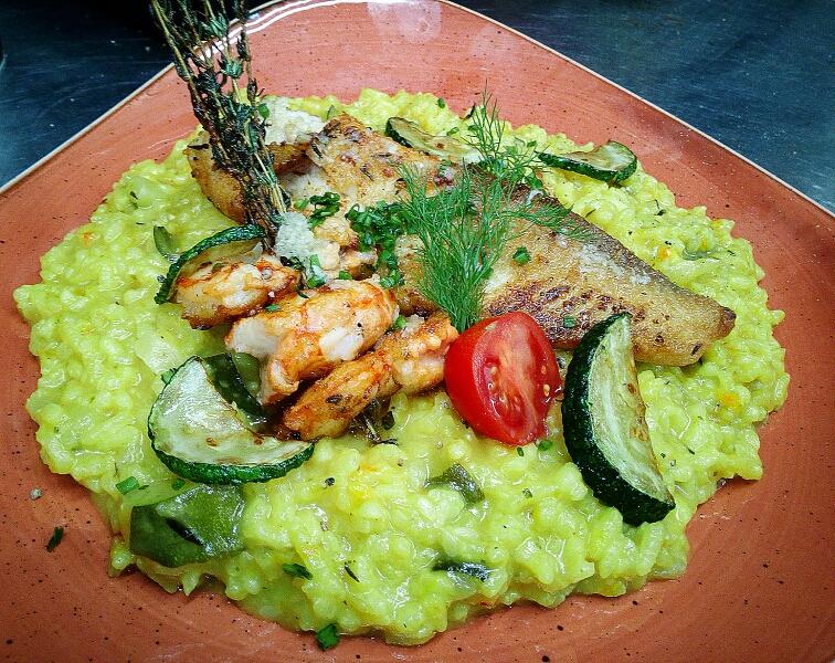Risotto mit Zucchini, Garnelen und Tilapiafilet