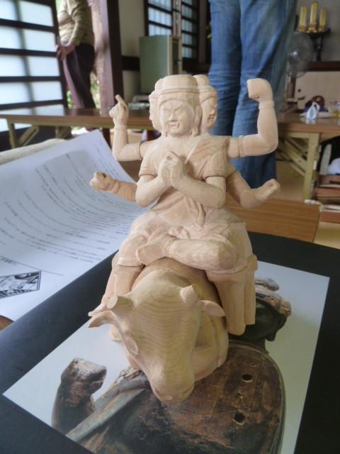 新山 直樹  2013.9.5.  製作途上の「大威徳明王」