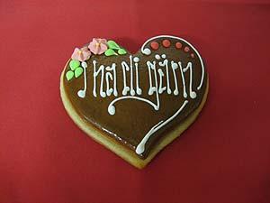 selbstgemachte Lebkuchenherzen als Weihnachtsgeschenk von der Bäckerei Spicher in Gunten am Thunersee