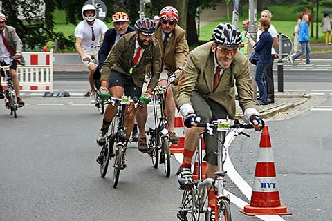 Alex vor Alessandro – dem späteren Zweiten im Rennen am Bremer Stadtgraben