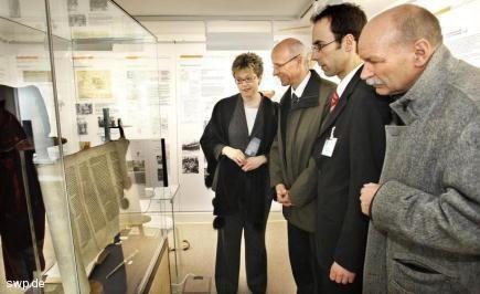 Frau Dr. Grässle, Landrat G. Bauer, BM F. Harsch, Architekt W. Kuhn Quelle: Haller Tagblatt, 11.04.2008