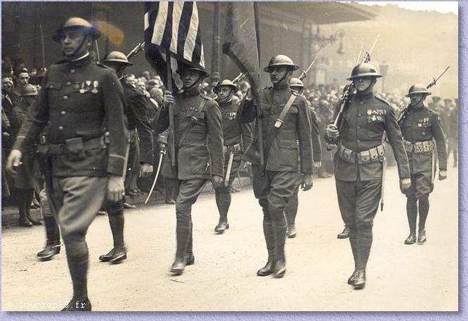 lors des obsèques du Maréchal, l'armée américaine lui offre une garde d'honneur