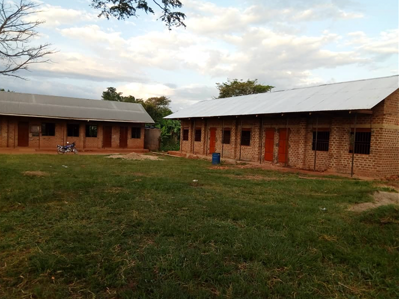 Mputte School with second building