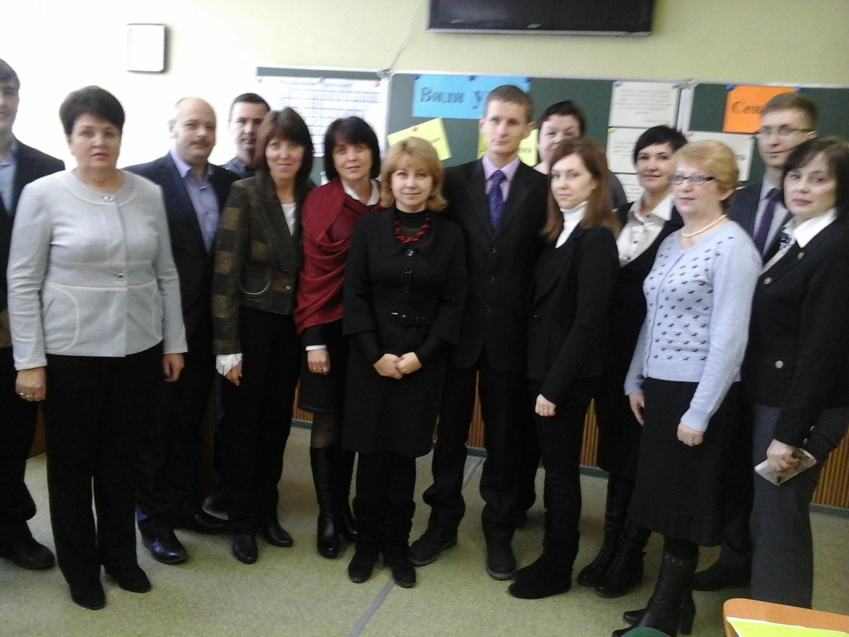 Потужна група підтримки колег з головним диригентом Валентиною Андріївною
