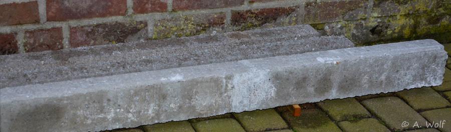 Diese Betonteile werden die unteren Hölzer ersetzen. Sieht dann nicht mehr ganz so malerisch aus, jedoch sind sie haltbarer.
