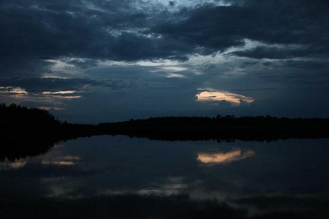 Вечер на реке.