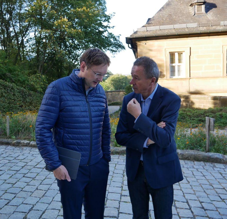 Im Gespräch mit Staatsminister für Wohnen, Bau und Verkehr Dr. Hans Reichhart
