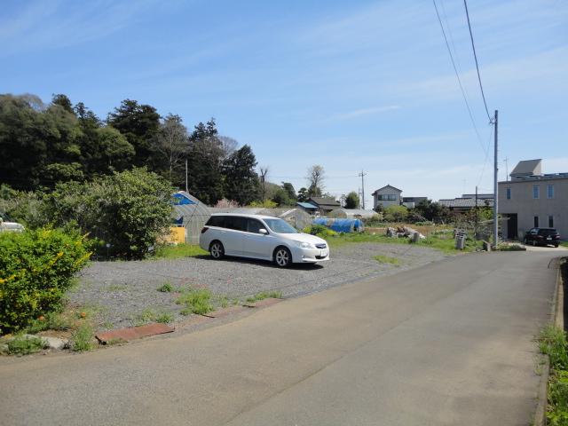 貸農園横月極駐車場