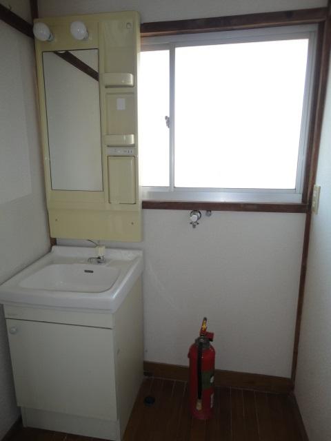 ゆったり使いやすい洗面所