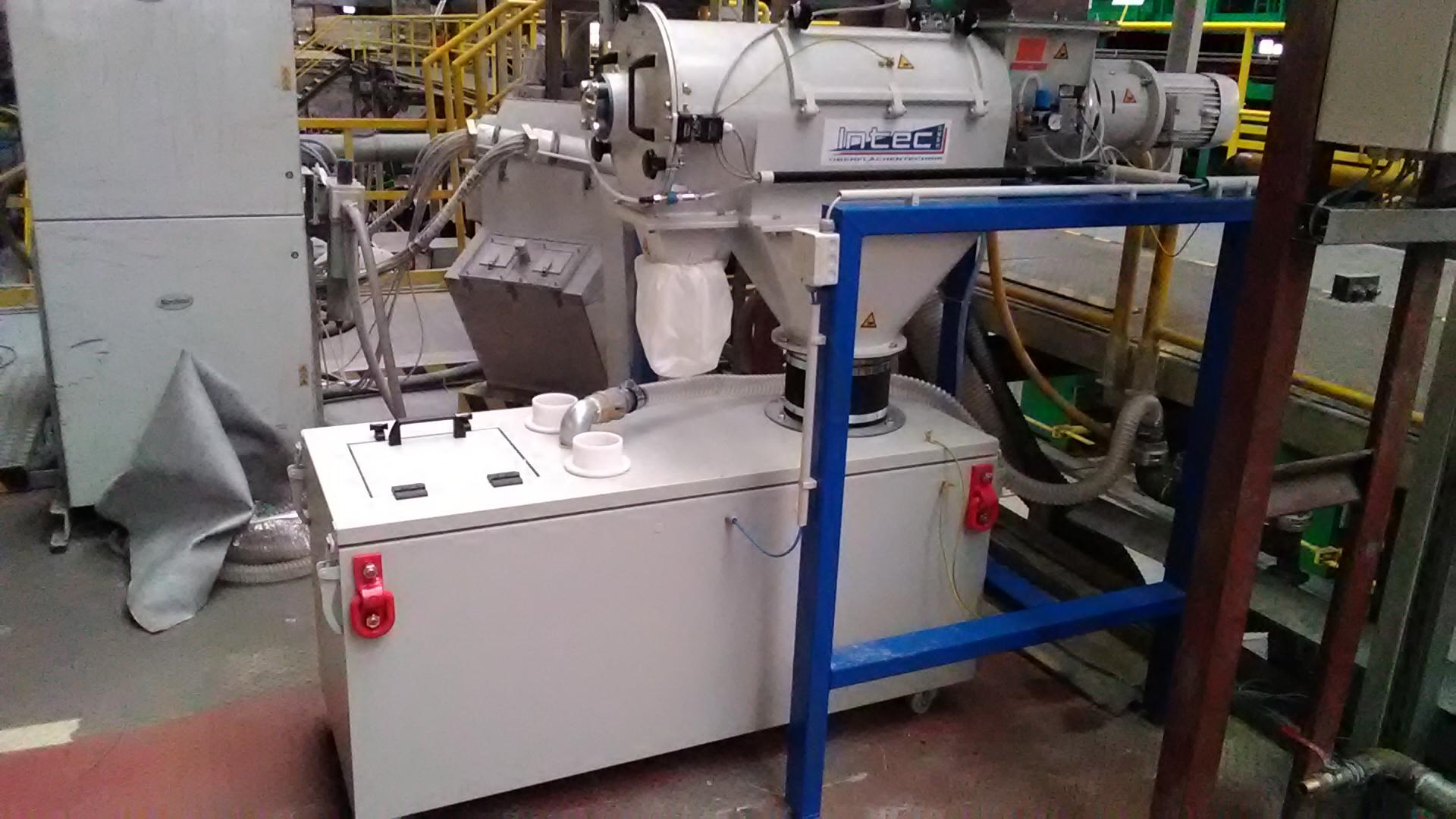 Siebmaschine mit Pulverbehälter
