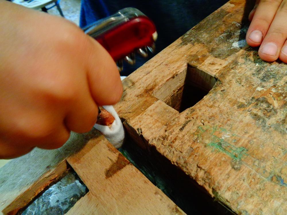 Ein dazugehöriges Amulett wird angefertigt