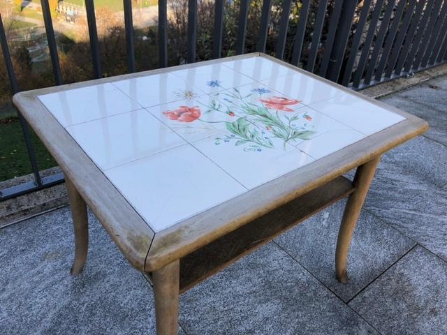 Der Tisch vor den Arbeiten