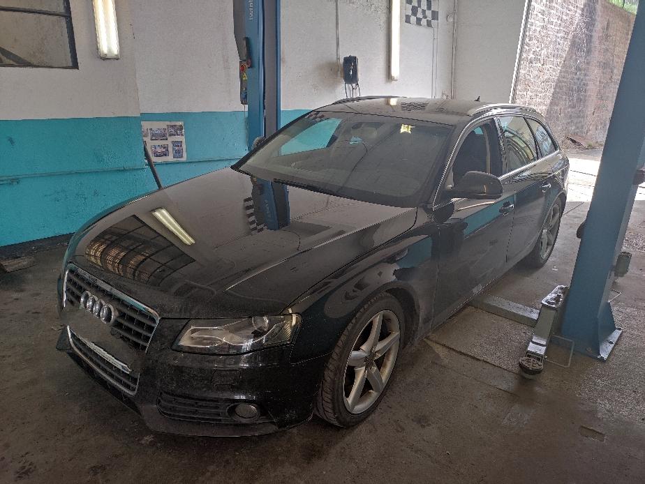 Remplacement kit distribution pompe à eau courroie d'accessoires Audi A4