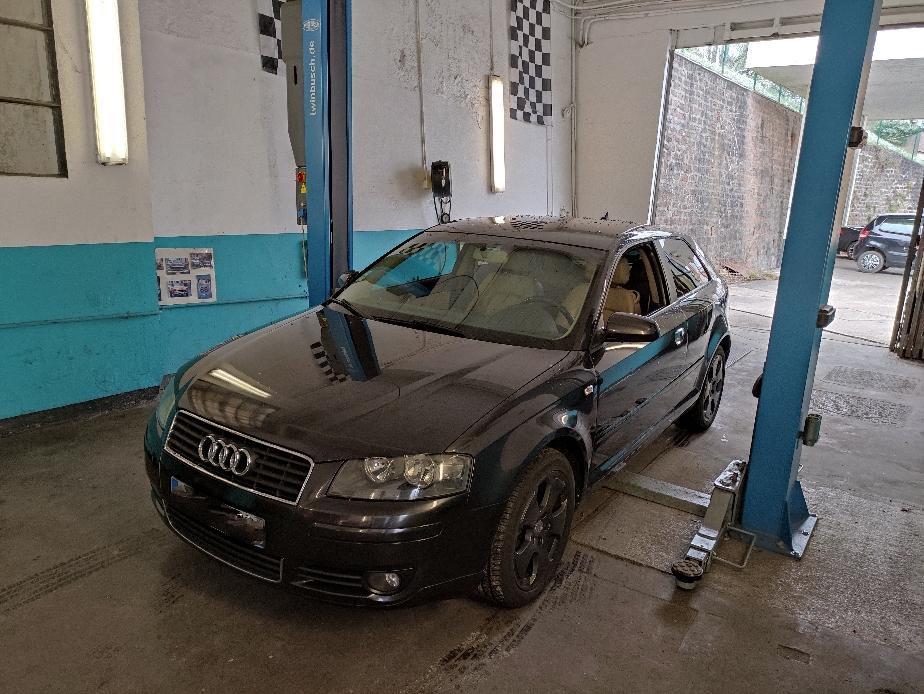 Remplacement Disques + plaquettes avant et arrière + étrier + flexibles de frein sur Audi A3