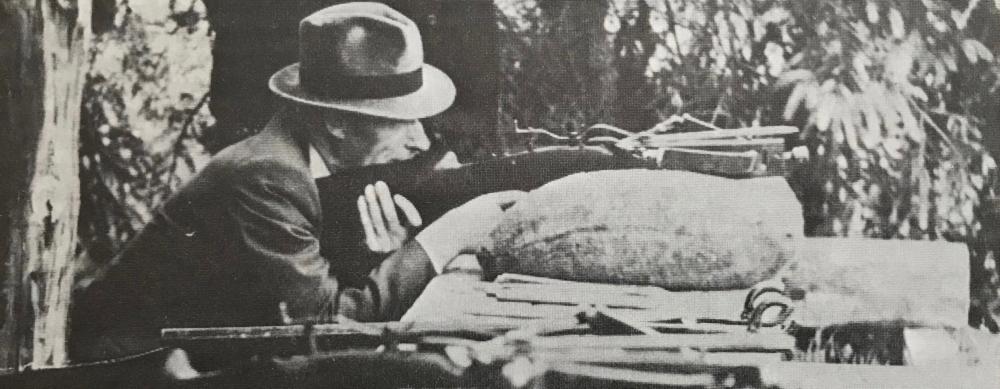 Foto: Nach dem Krieg wurde zunächst mit der Armbrust geschossen.