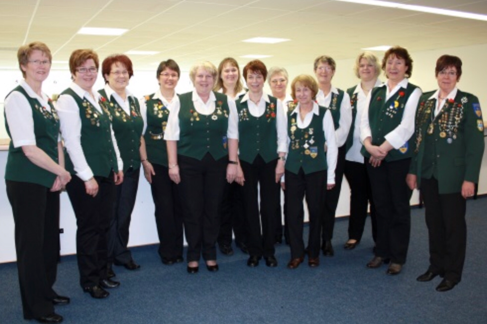 Foto: Die aktuelle Montagsschießgruppe der Damen.