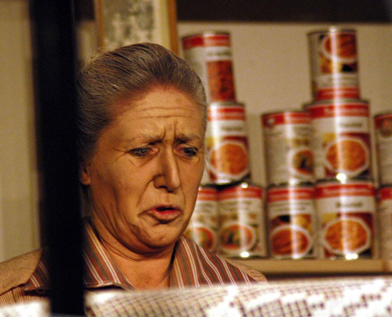 """2003: """"Frau Saxeder"""" in """"... erlauben sich Widerstand zu leisten"""""""