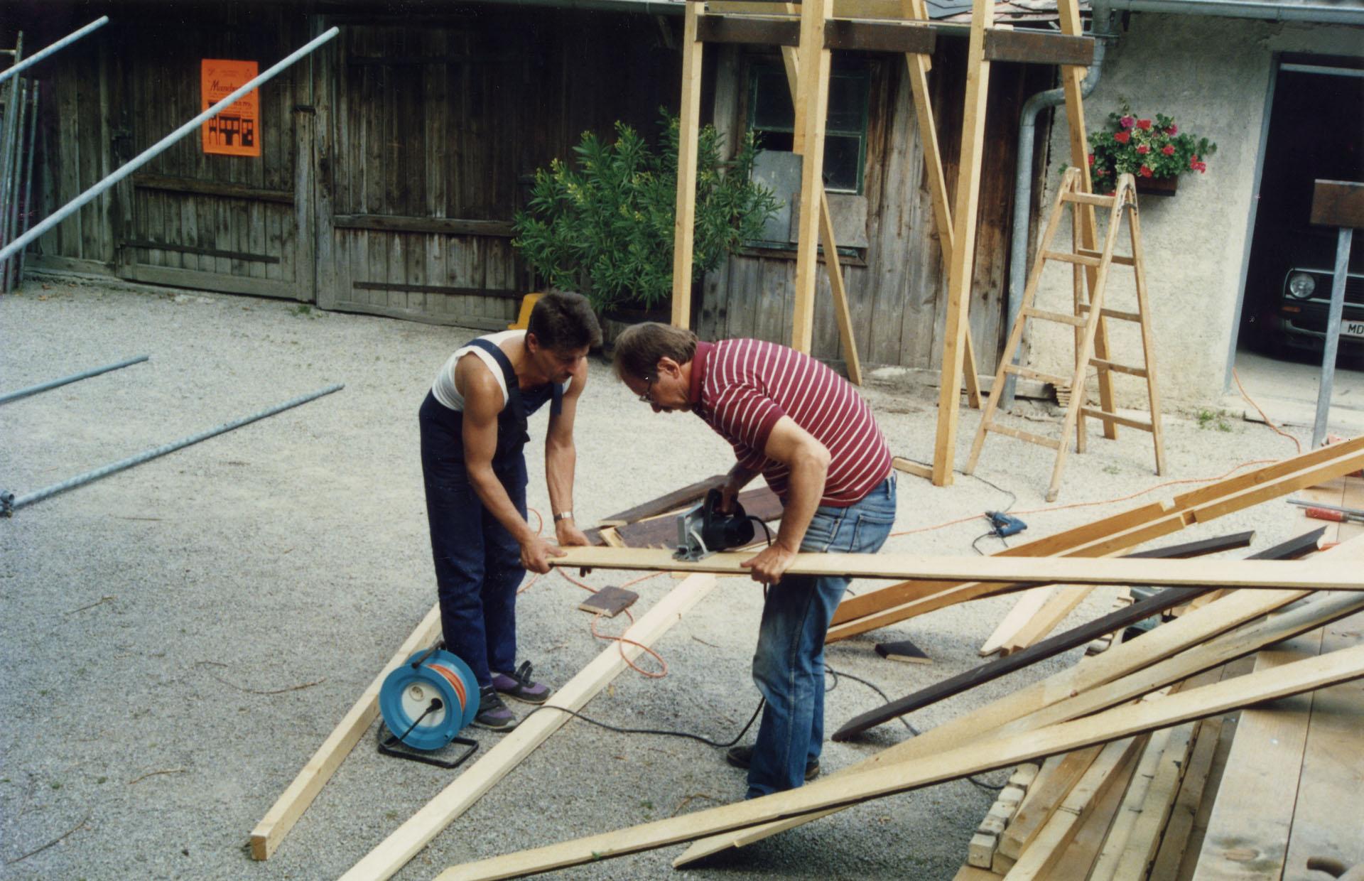 Kulissenbau zu MANDRAGOLA 1990 im Gastgarten des Gasthauses Schwindl