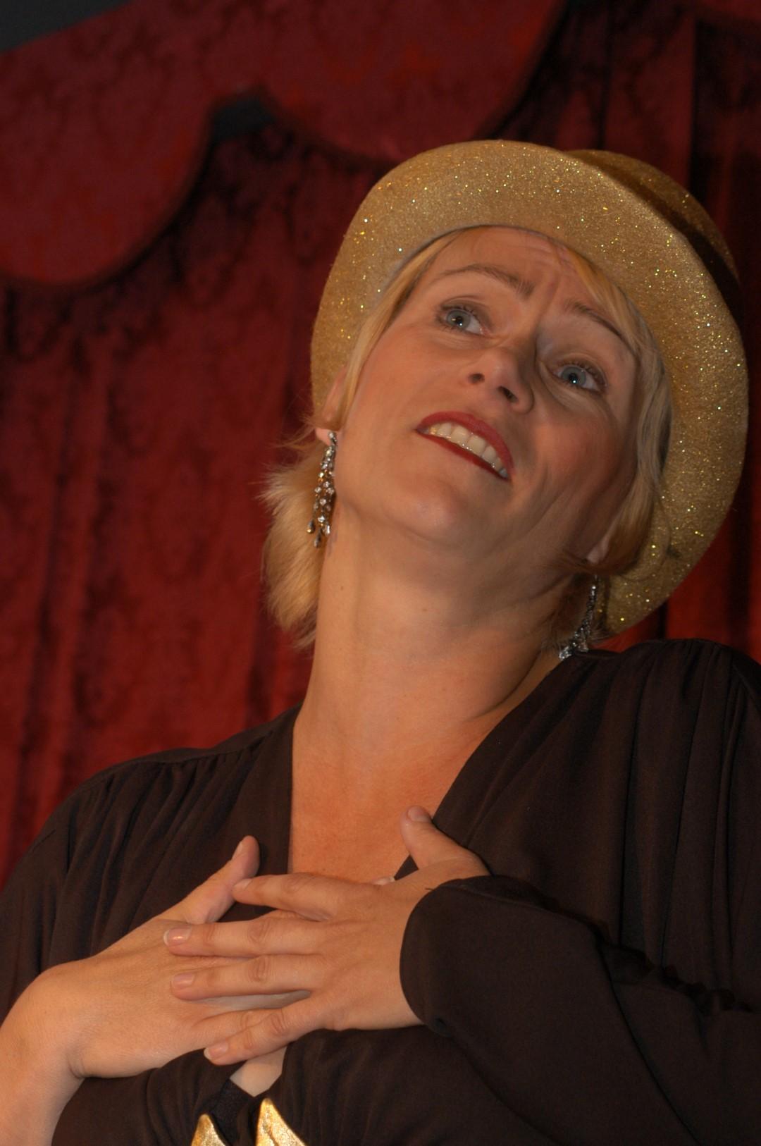 """2007: """"Sängerin"""" in """"Geschichten aus dem Wiener Wald"""""""