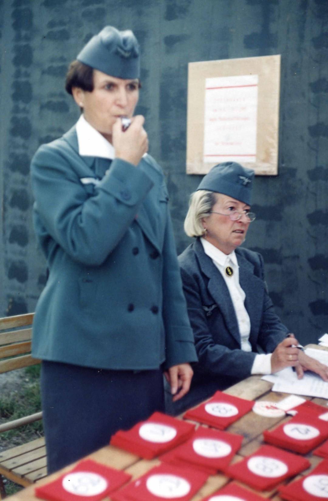 """1995: """"Wehrmachtshelferin"""" in """"Zwölfeläuten"""""""