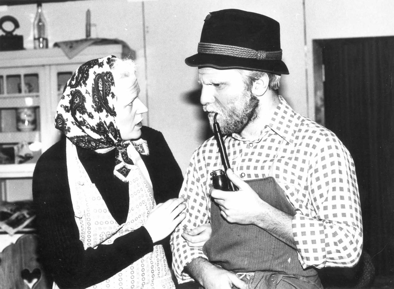 "1983: ""Isidor Holz"" in ""Die zwei Halbschönen"""
