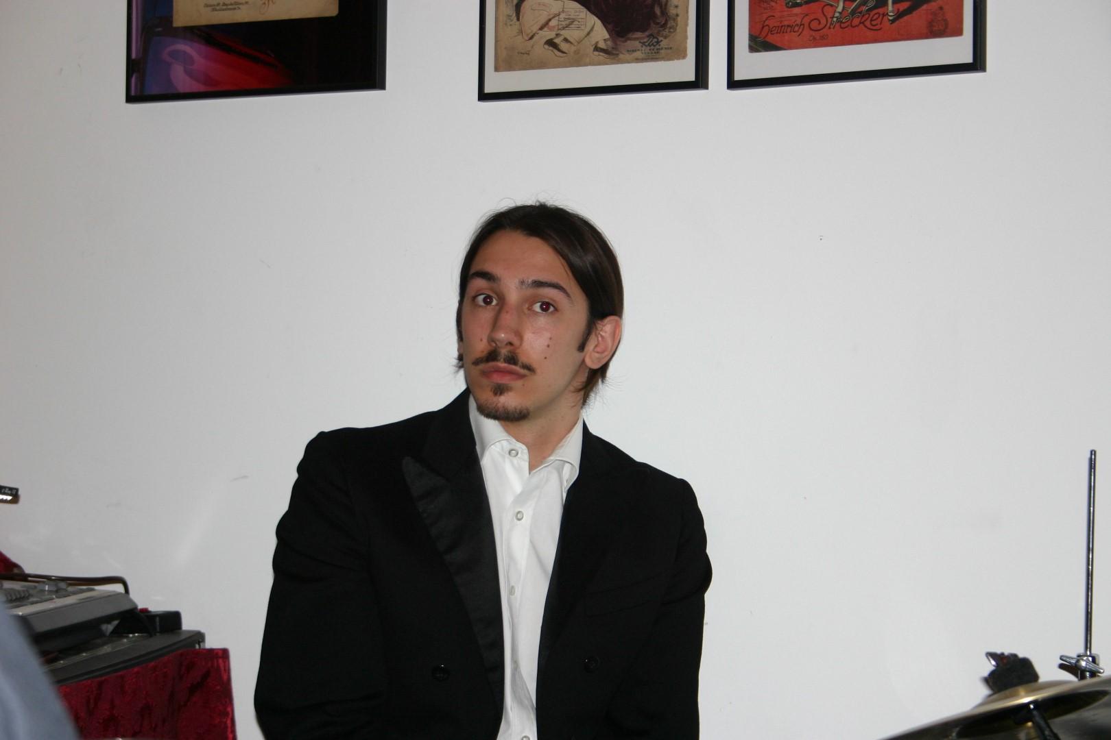 """2006: Schlagzeuger im Maxim bei """"Geschichten aus dem Wiener Wald"""""""