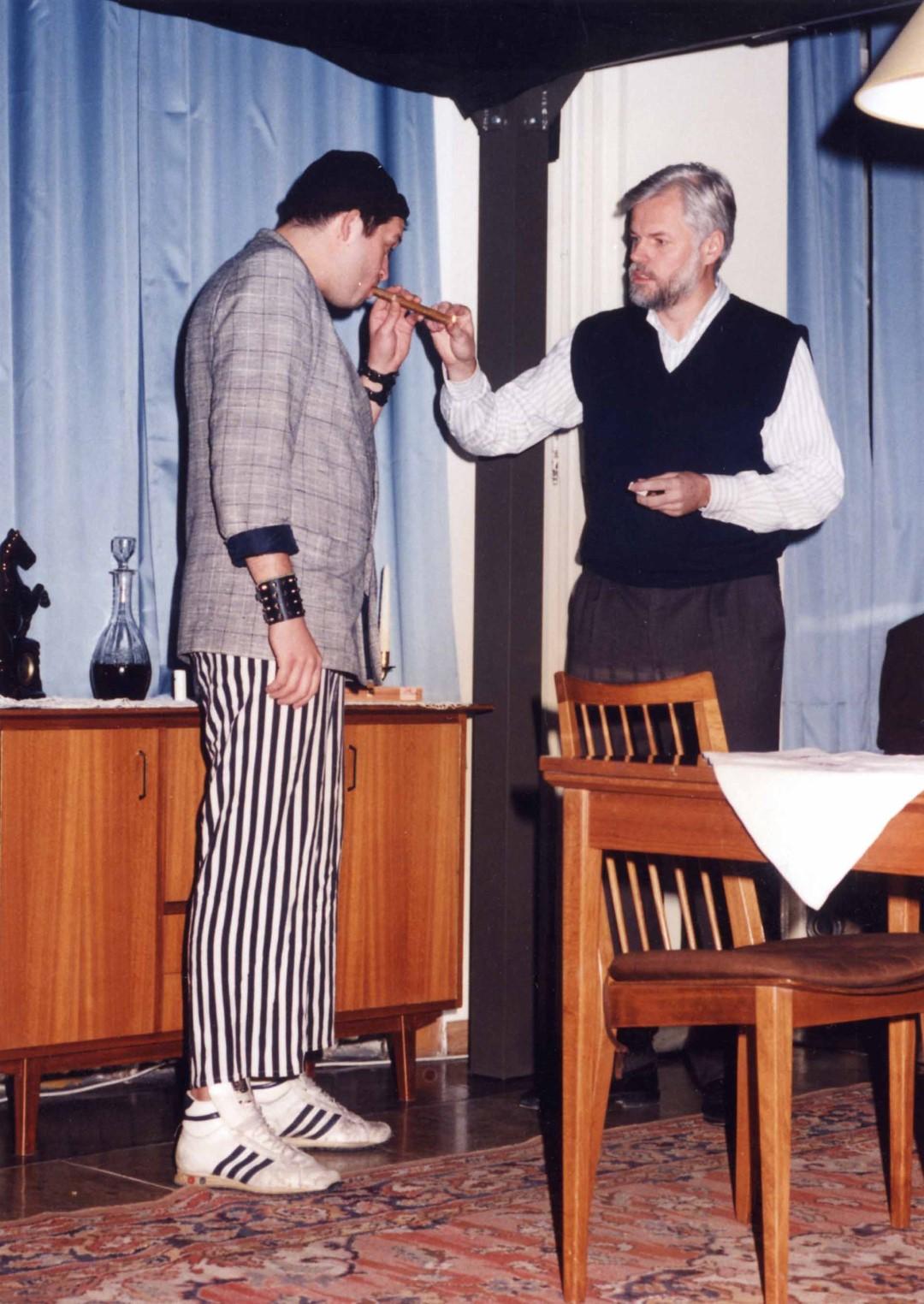 """1994: """"Herr Biedermann"""" in """"Biedermann und die Brandstifter"""""""