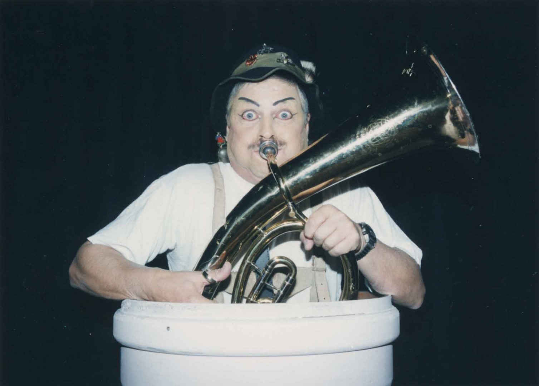 """1997: """"Musiker"""" in """"Die Kokotten von Puff-Peng"""""""