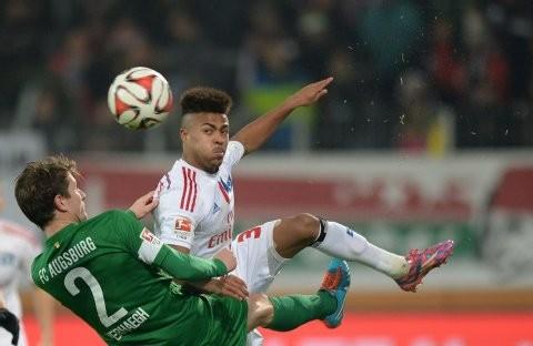 Ronny Marcos (r.) feierte gegen Augsburg sein Bundesliga-Debüt. Foto: WITTERS