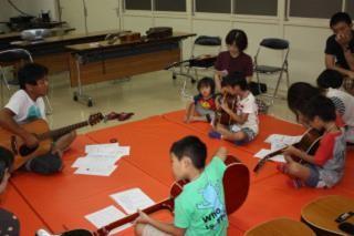 ギター教室  講師  山田 勲氏