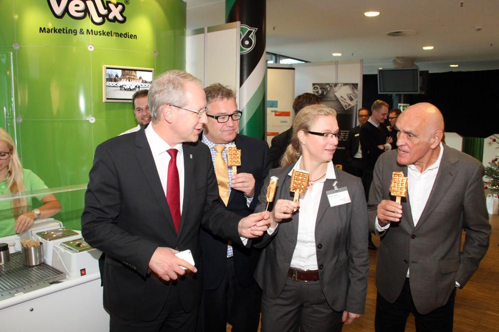 Stefan Schostok, Hauke Jagau, Birgit Feeß und Martin Kind (v.l.)