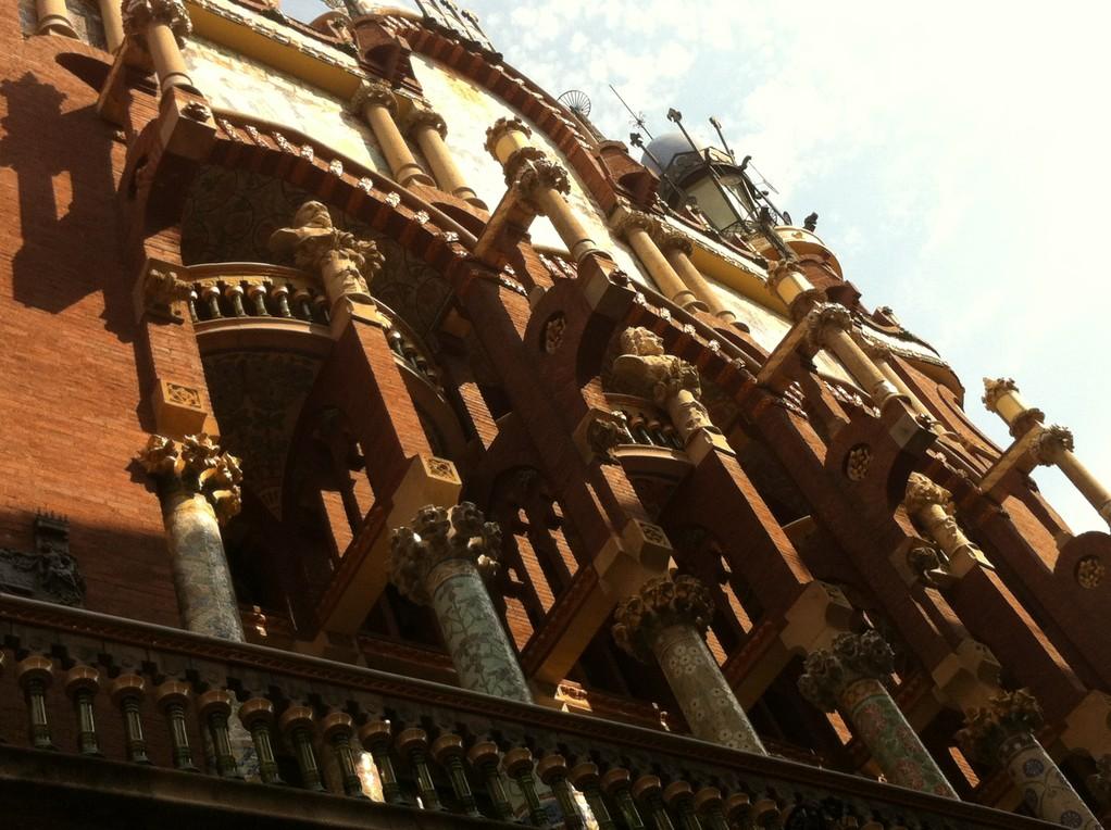 Der Palau de la Musica Catalanae, gebaut im Stil des Modernisme, ...