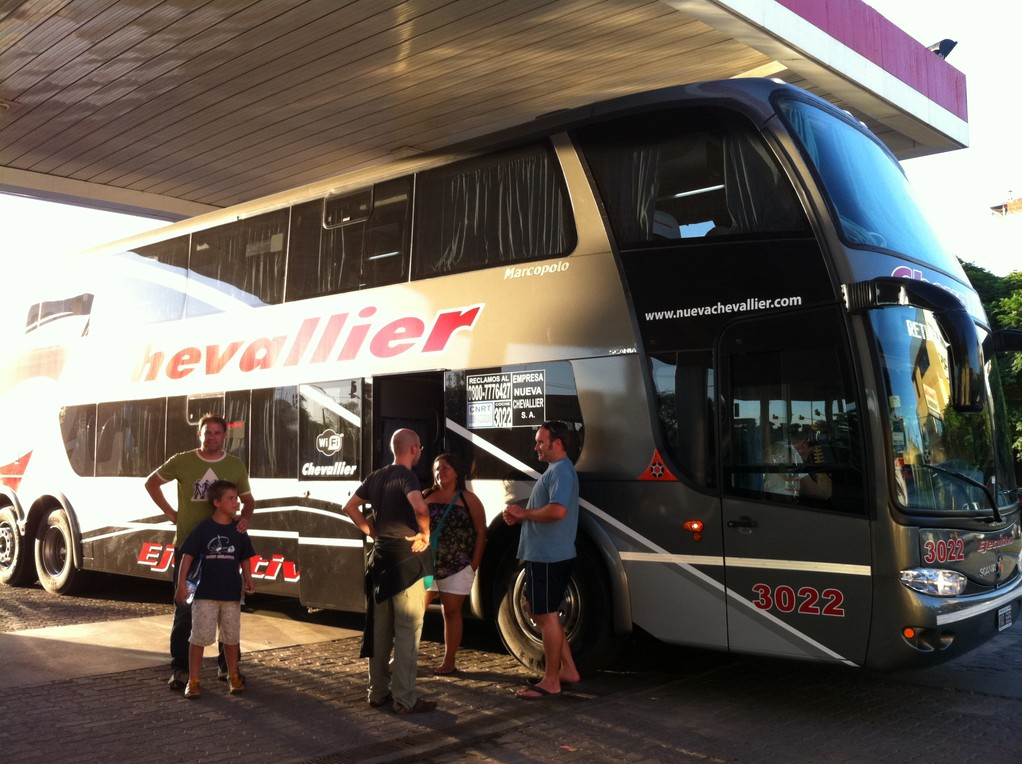 Fahrt mit dem luxurioesen Chevallier Bus