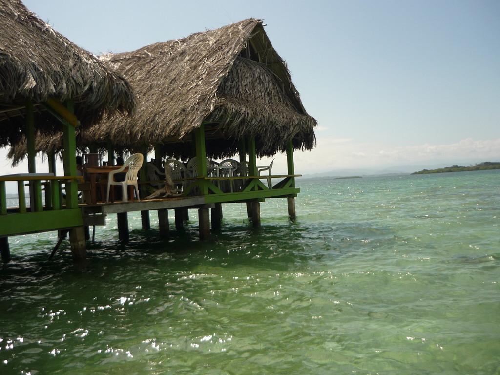 Restaurant im Coral Cay