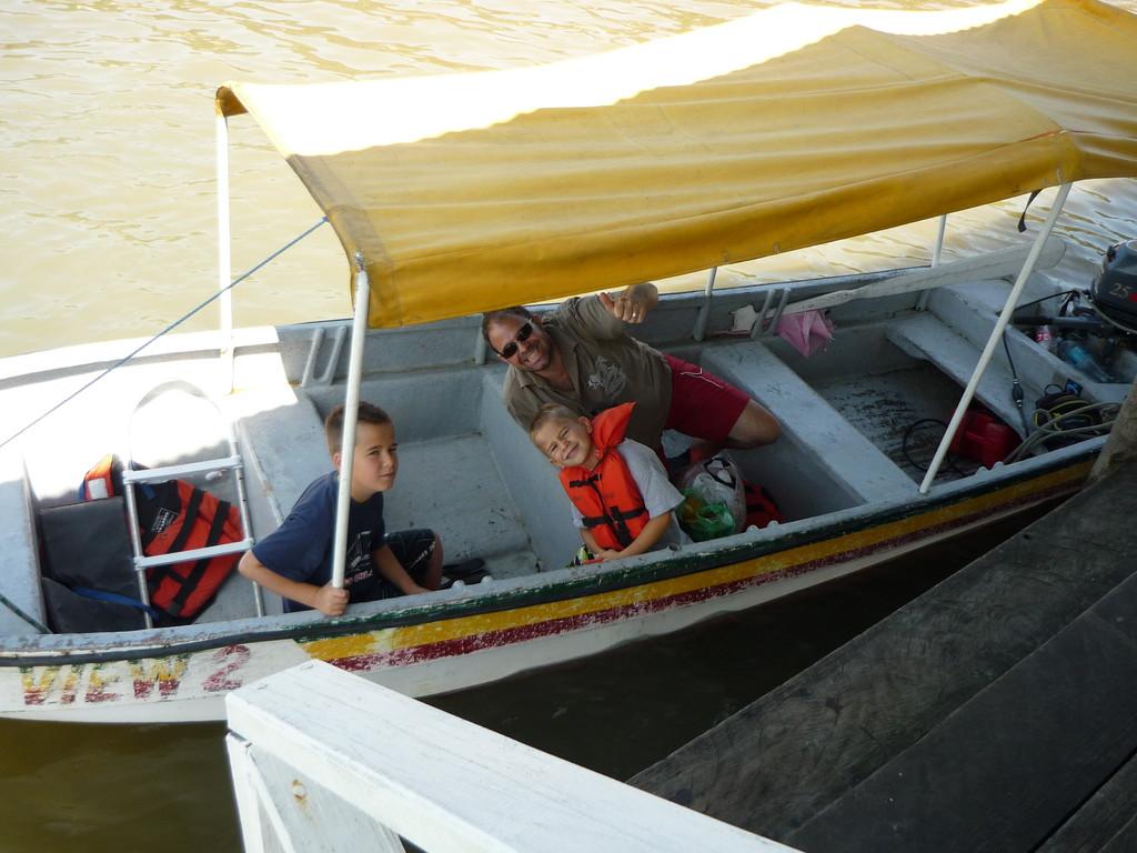 Unterwegs auf Delfin-& Schnorchel Tour