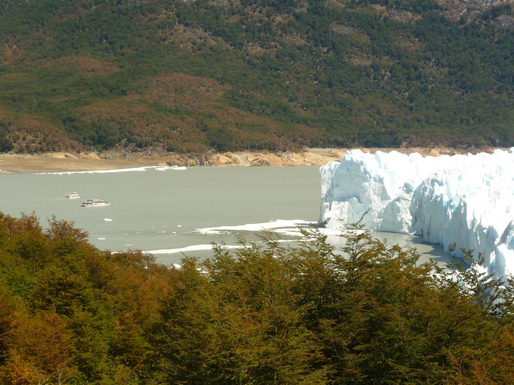 Die Nordwand des Gletschers und der Brazo Rico