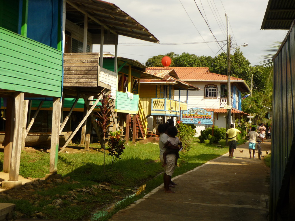 Hauptstrasse auf der Isla Bastimentos