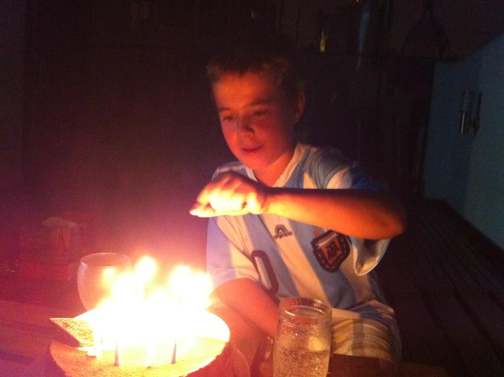 Noch schnell nachzaehlen, ob genug Kerzen drauf sind!