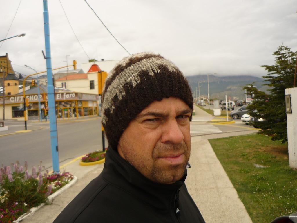 Thierry der Kapuzenlose muss sich sogar eine Kappe kaufen