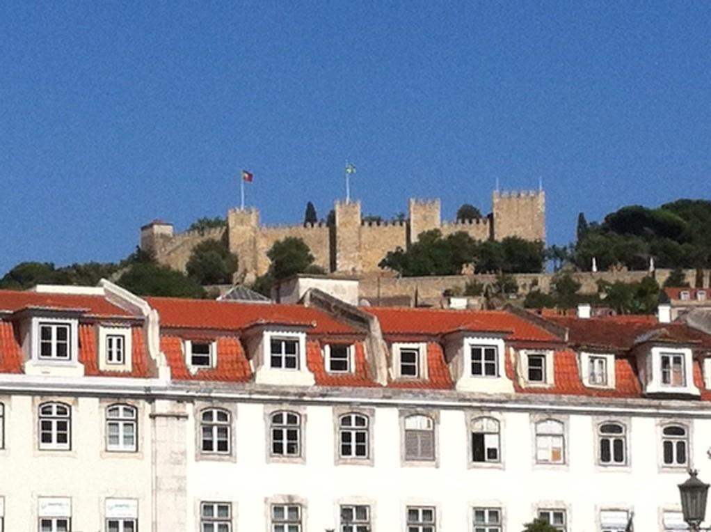 Das Castelo de Sao Jorge, von 1147 bis 1511 Residenz der portugiesischen Koenige...