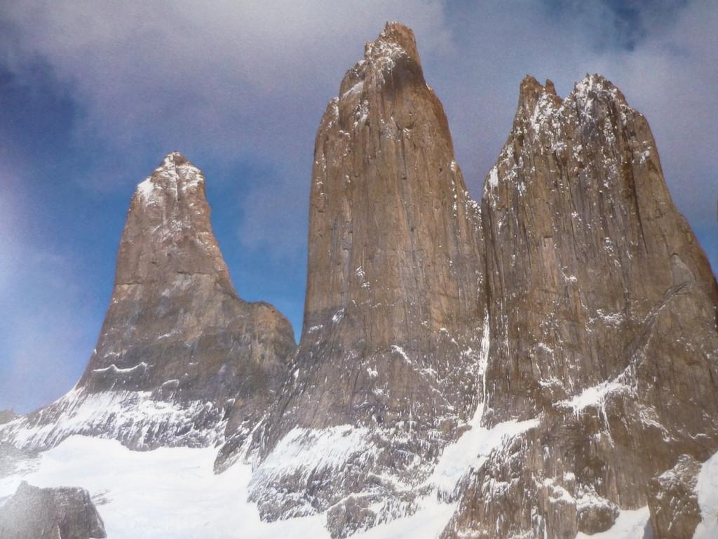 Die beruehmten unverwechselbaren drei Torres, die dem Park den Namen geben
