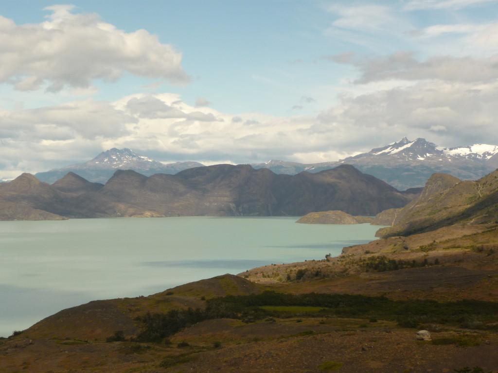"Auf dem Weg zum ""Refugio Los Cuernos"" am See Nordenskjöld"