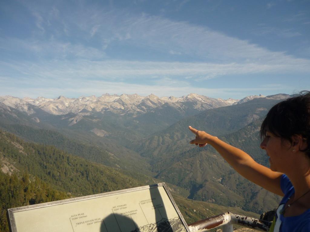 Aussicht vom Moro Rock ueber die Rocky Mountains